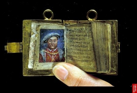 Small-girdle-book-that-may-be-of-the-type-of-tablet-Margaret-mentions-in-her-will.-©-British-Library
