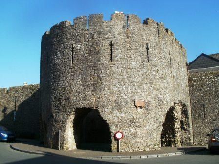 Tenby-town-walls-by-Tom-Read