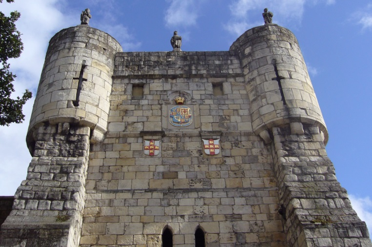 Micklegate-Bar-York.-One-of-the-gates-in-the-ancient-city-walls.-TT