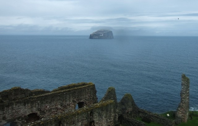 ©-2015-Tudor-Times-–-The-view-from-Tantallon-Castle-to-Bass-Rock-Firth-of-Forth