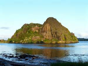 The-mighty-stronghold-of-Dumbarton-Castle-dating-from-the-Iron-Age