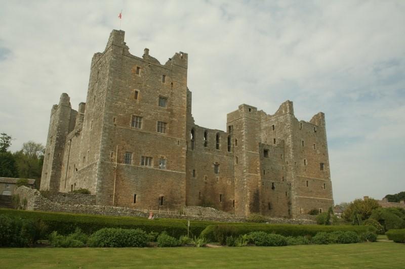 The-south-face-of-Bolton-Castle-©-Tudor-Times-2015